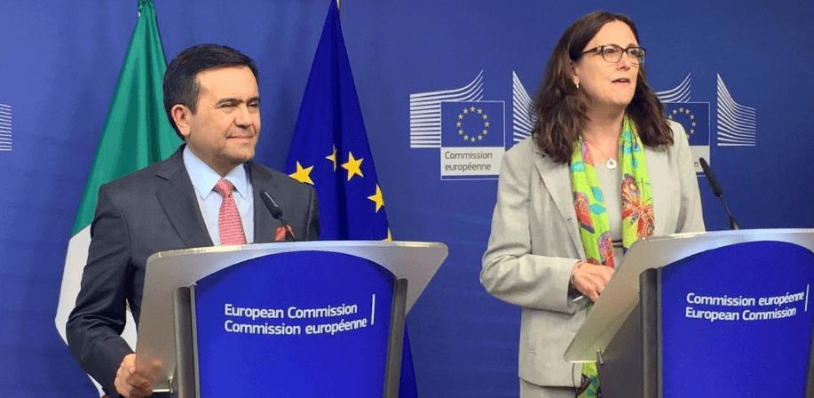 Foto: SE. El Secretario de Economía, Ildefonso Guajardo, y la Comisaria de Comercio de la Unión Europea, Cecilia Malström, sostuvieron hoy una reunión en Bruselas, Bélgica, en la que anunciaron el inicio de negociaciones del TLCUEM.