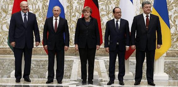 Foto: Euronews. Participantes en la Cumbre de Minsk el 11 de febrero de 2015.