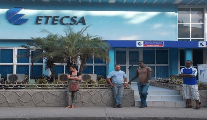 Foto: Girón. Los clientes de servicios móviles de AT&T que viajen a Cuba podrán utilizar sus teléfonos móviles en la red de Etecsa.