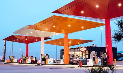 Abrirá petrolera española 200 gasolineras en México